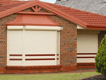 Cleaning roller shutters