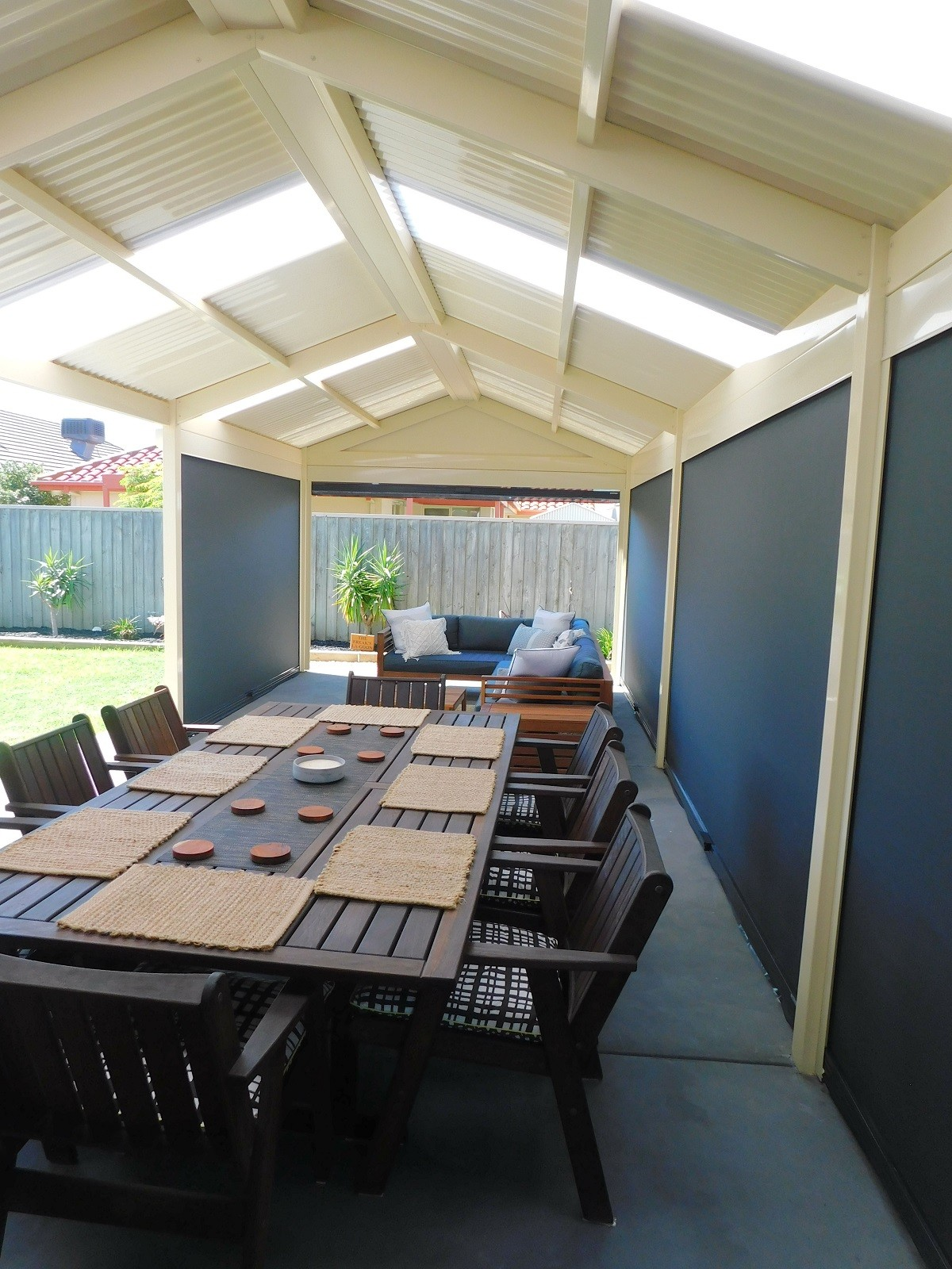 Top Tips for Choosing Outdoor Blinds for Your Home